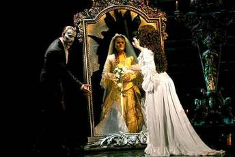 phantom of the opera mirror doll