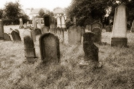 scary cemetery picture